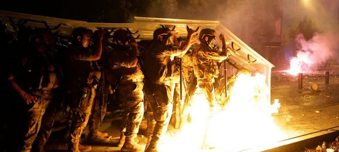 Polisi Beirut Tewas Dalam Bentrokan Demo Antipemerintah