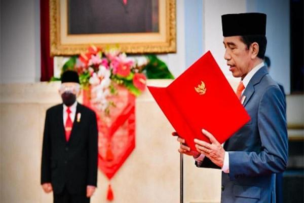 Jokowi Lantik Menteri dan Wakilnya dengan Mematuhi Protokol Kesehatan