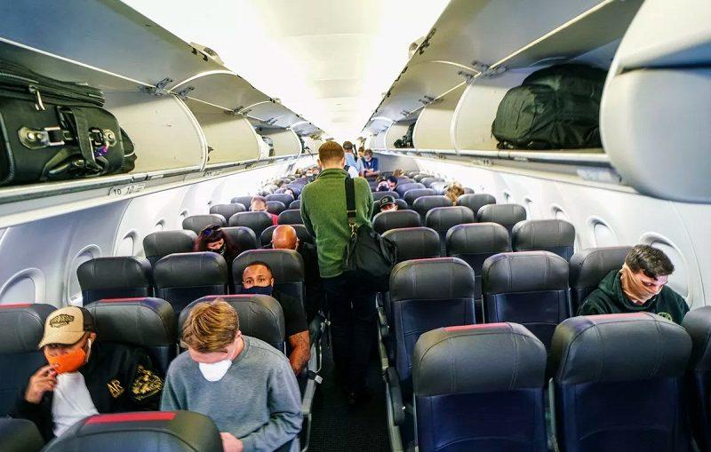 Tips Aman Naik Pesawat Saat Travelling di Masa Pandemi