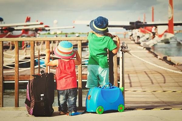 Perlengkapan Traveling Anak yang Harus Selalu dibawa