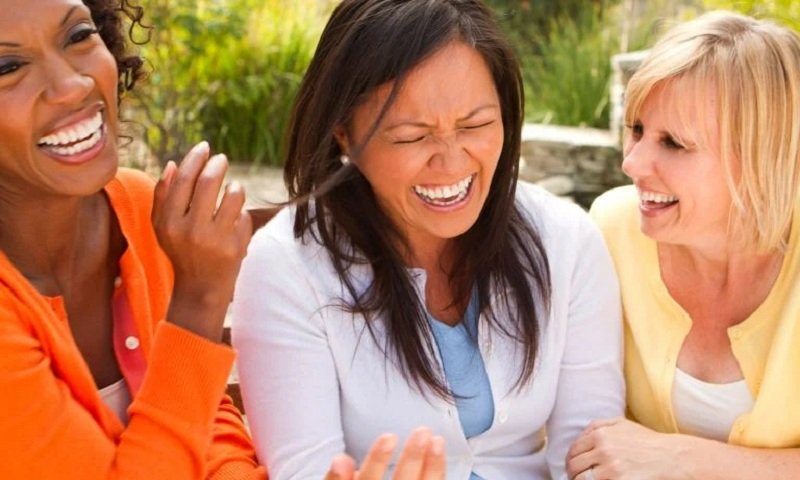 Manfaat Tertawa untuk Kesehatan Mental Selama Pandemi
