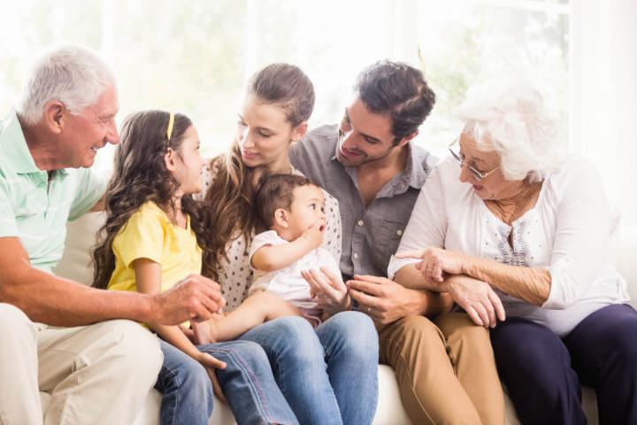 Mengakrabkan Anak dengan Keluarga