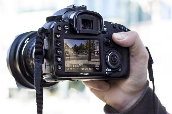 Kamera untuk Traveling Terbaik dengan Beberapa Rekomendasi
