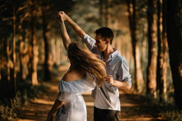 Penyebab Timbulnya Rasa Cinta Kepada Seseorang yang Sering dialami