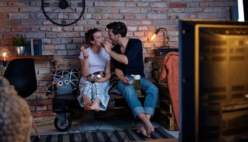 Cara Romantis ke Pasangan Mempengaruhi Kebahagiaan Anda
