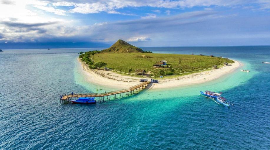 Pulau Kanawa Pulau Damai yang Penuh Keajaiban di Labuan Bajo