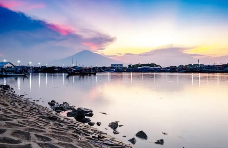 6Tempat Wisata di Cirebon yang Harus Dikunjungi