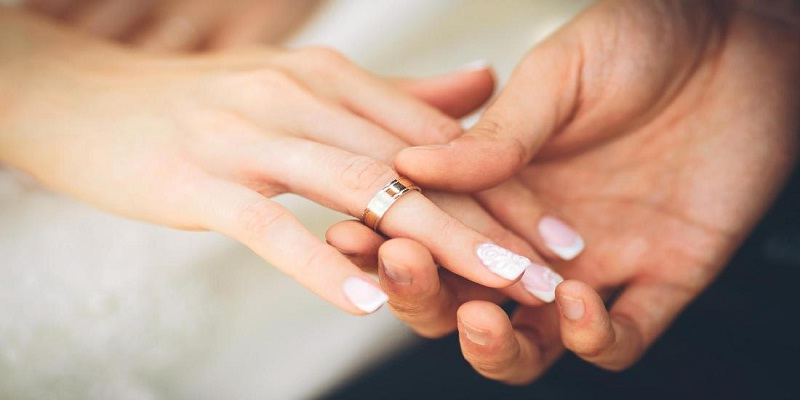 Antara Cinta dan Harta Melihat dari Sudut Pandang yang Berbeda