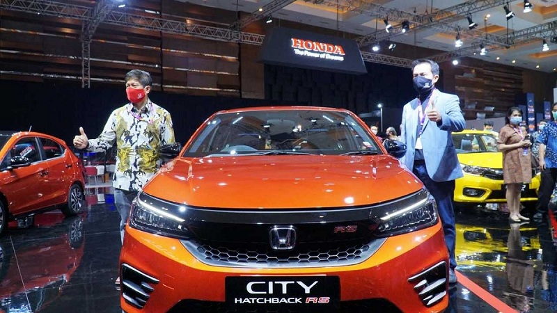 Merek Otomotif dalam IIMS Hybrid 2021 Resmi Dibuka Presiden Jokowi motor1.com