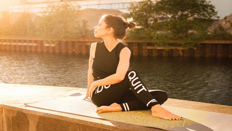 Manfaat Yoga Untuk Kecantikan Hingga Membuat Wajah Awet Muda