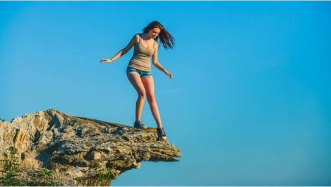 Ketahui 5 Cara Menghilangkan Phobia Ketinggian yang Jitu