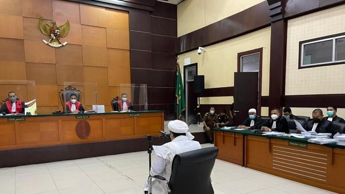 Ketok Palu Habib Rizieq Divonis 4 Tahun Penjara